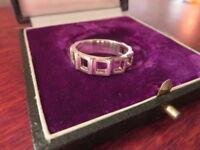 Schöner 925 Silber Ring Auffällig Modern Futuristisch Eckige Löcher Zahnradartig