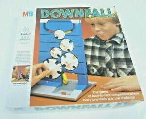 MB DOWNFALL Game Boxed & Complete Vintage 1985 (AT)