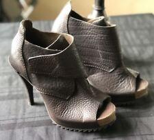 New Pedro Garcia Pebbled Leather Bootie Peep toe Heels Size 37(6/6.5)