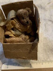 Miniature Well Loved Bear In Box handmade Artist Earlene Vaughn 11/95 EVB-5