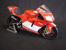 Minichamps Ducati Desmosedici GP4 2004 1:12 #12 Troy Bayliss (AUS) (AK)