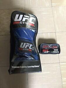 UFC GYM GLOVE 14OZ with CLOTH WRAPS BLACK - Never Used -See Description