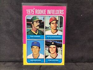 1975 TOPPS MINI BASEBALL CARD #623 1975 ROOKIE INFIELDERS HERNANDEZ, GARNER NM