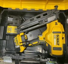 DeWalt DCN660P2 18v XR Li-ion Brushless Second Fix Nailer Nail Gun 1 5Ah Charger