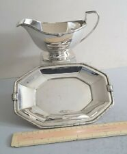 GOOD, STYLISH DECO VINTAGE SOLID SILVER SAUCE BOAT & STAND.  442gms.  LON. 1938.