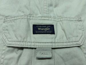 "Boys Wrangler Khaki Cargo Shorts Long 11"" Inseam Size 18 Regular"