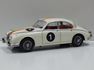 1:18 Jaguar Mark 2 3.8 - 1962 ATCC Winner (Bob Jane) #1 Model Icons 321006