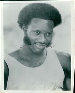 1972 Rod Milburn Olympic Gold Medal Hurdler Original News Service Photo