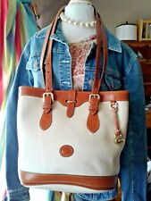 Vintage Dooney & Bourke Bucket bag Ivory Pebble Leather Long Shoulder Straps