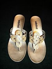 KENNETH COLE UNLISTED Champagne Gold Mules Sandals Shoes BOBBIN Size 6 M