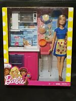 Barbie Doll Deluxe Kitchen Play Set With Kitchenette & Accessories NEW