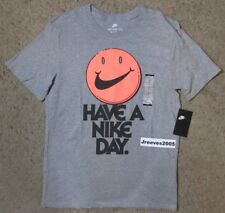 NWT Nike NSW HAVE A NICE DAY Shirt Sz Medium 100% Authentic 911903 063