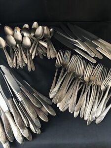 Large Set Tudor Plate Oneida Community 1946 Queen Bess II Silverware 96 Pieces 2