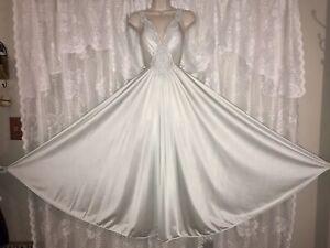 VTG M L CEYLON OLGA Full Sweep Nylon Classic Nightgown Negligee Gown 92270