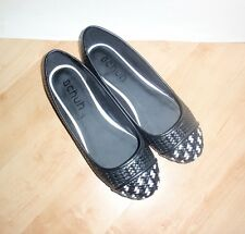 NEW Schuh womens WOVEN PUMP black slip on casual shoes pumps size 8