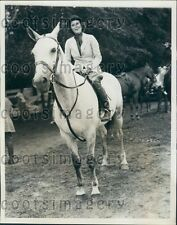 1934 Mrs Crawford Blagden on Silver Tip Colt Tuxedo Horse Show NY Press Photo