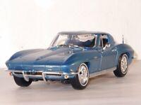 CHEVROLET Corvette - 1965 - bluemetallic - Maisto 1:18