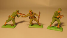 3 Vintage 1971 BRITAINS Ltd deetail England WW II army lead figures Soldiers