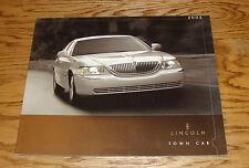 Original 2005 Lincoln Town Car Deluxe Sales Brochure 05