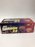 NASCAR Jeff Gordon #24 Du Pont Winston Cup Champion Action 1:24 Stock Car