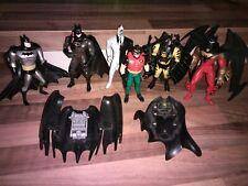 4 Batman Actionfiguren Robin, Joker mit viel Zubehör