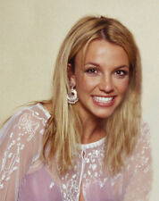 Britney Spears UNSIGNED photo - M4483 - American singer and actress - NEW IMAGE!