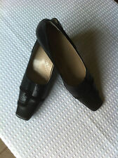 LOTUS STYLISH BLACK LEATHER SUEDE TRIM LADIES SHOES SIZE 7 EXCELLENT CONDITION