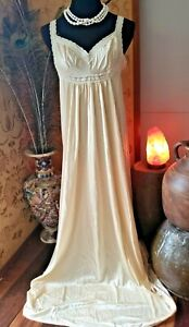 """Vintage Miss Elaine long Silky Champagne Nylon & stretch lace Nightgown 36/38"""""""