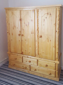 HANDMADE SOLID PINE DIANA 5 DRAWER 3 DOOR TRIPLE WITH ROYAL SPINDLES IN ANTIQUE