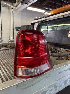 04-07 FORD FREESTAR PASSENGER TAIL LIGHT TAILLIGHT RH RIGHT SIDE BRAND NEW