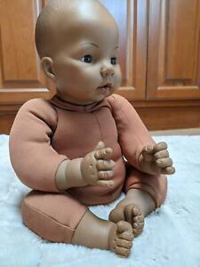 "Vintage 1966 MADAME ALEXANDER 17""African American Newborn Baby original sleepler"