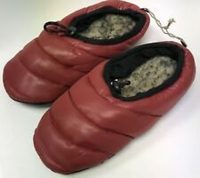 American Eagle Outfitters Unisex Red Puffer Slippers size USA Wn's10-Mn's 8/9