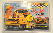 TYCO Ernie Irvan Kodak Film Car Truck Tractor Trailer HO Scale Magnum 440-x2