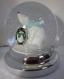 Bath & Body Works 3-Wick 14.5 oz Candle Topper Snow globe POLAR BEAR Penguin