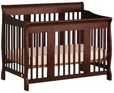 Kinderbett aus Massivholz