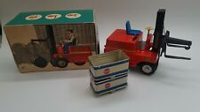 Tin Toy Batt op STAGOR Forklift truck tin toy MS Veb  Germany Boxed and working