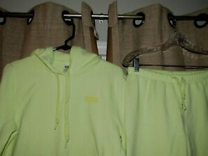 PINK VICTORIAS SECRET outfit sweatshirt hoodie jogger pants logos yellow