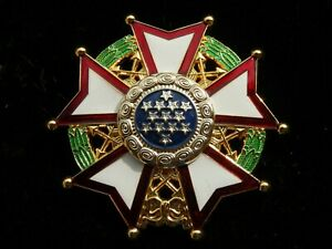UNITED STATES MILITARY CHIEF COMMANDER LEGION OF MERIT BADGE MEDAL