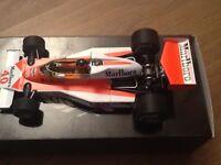 Giles Villeneuve mini champs 1/18 M23 Marlboro McLaren 1977 full detail brit gp