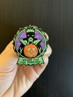 LE 1500- EVIL QUEEN- Wicked Fun For Everyone Disney Pin Snow White Halloween Hag