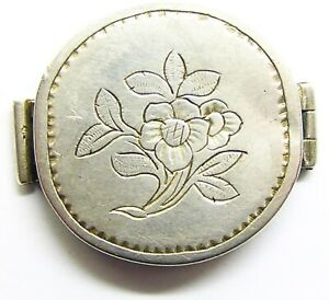 18th century Georgian silver patch box floral design in excellent condition