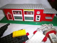 LEGOSystem 12 Volt  Eisenbahn 2 Waggons  Schienen Bahnhof Gebäude  ERgänzung