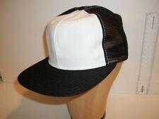 VINTAGE NOS SIZE S/M NEW ERA BLANK MESH BASEBALL SNAPBACK HAT CAP..BLACK/WHITE
