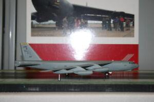Herpa Wings 1:200 USAF Boeing B-52H Stratofortress (570916) Die-Cast Model Plane