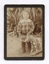 PHOTO ANCIENNE Jeu Doll Toy Bébé Cheval de bois Petit Enfant Vers 1900 Jouet