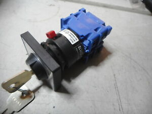 KRAUS and NAMER CH10 -- KEYED SELECTOR SWITCH 3 Position -- AT13F687