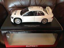 AUTOART 1/18 MITSUBISHI LANCER WRC05 PLAIN BODY VERSION WHITE  80527