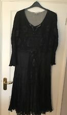 Stunning BlackCHESCA Lace Decorated Occasion Dress with Stretch size 3 -20-22