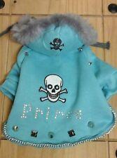 Diseñador de ropa para perros pequeños, Polar Azul/SKULL & CROSSBONE Príncipe Abrigo con capucha.