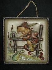 "Goebel Hummel 126 ""Angsthase, Wandbild"", retreat to safety wall plaque, full bee"